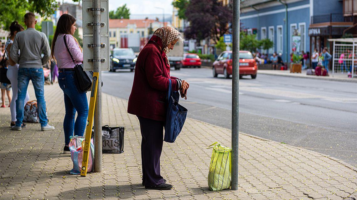 Milliókkal rövidítheti meg a nőket öregségükre a nyugdíjveszteség
